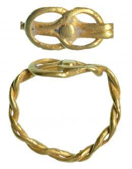 714  -  ROMA. Imperio Romano. Oro. Anillo matrimonial formado por dos hilos enredados formando el nodus herculeus. Diámetro: 14 mm. Procedente de colección privada española años 1970-80.
