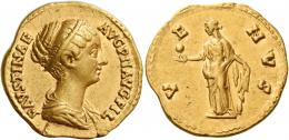 114  -  FAUSTINA II. Aureus. AV 7.17 g. FAVSTINAE – AVG PII AVG FIL Draped bust r., with band of pearls round head. Rev. V– E – NVS Venus standing l., holding apple in r. hand and rudder in l.