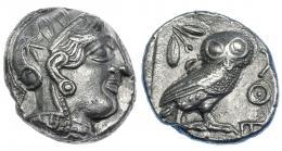 67  -  ÁTICA. Atenas. Tetradracma (454-405 a. C.). A/ Cabeza de Atenea a der. R/ Lechuza dentro de cuadrado incuso, detrás ramas de olivo y creciente, del. AQE. COP-34-37. SBG-2526.EBC/EBC-.