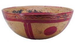 2102  -  PREHISPÁNICO. Cuenco. Cultura Maya (500-900 d.C.). Terracota policromada. Con decoración geométrica. Altura 8,4 cm. Diámetro 19,0 cm. Se adjunta prueba de termoluminiscencia.