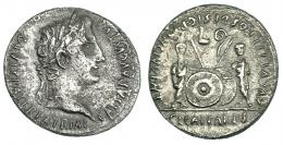3022  -  AUGUSTO. Denario. Lugdunum (7-6 a.C.). R/ Cayo y Lucio; símpulo a izq. hacia la der. y lituus a der. hacia la izq. RIC-207. FFc-22. Superficies erosionadas. MBC.