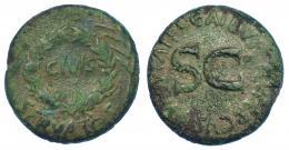 3025  -  AUGUSTO. Sestercio. Roma (16 a.C.). A/ OB, debajo SERVATOS, en el centro láurea rodeando CIVIs, a los lados palmas. R/ SC, alrededor C GALLIVS C F LVPERCVS III VIR AAA FF. RIC-377. Pátina verde. BC+.