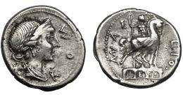 28  -  AEMILIA. Denario. Roma (114-113 a.C.). R/ Estatua ecuestre sobre arquería. AR 3,82 g. 19 mm. CRAW-291.1. FFC-103.
