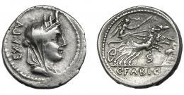 33  -  FABIA. Denario. Roma (102 a.C.). R/ Letra S debajo de la biga. AR 4,04 g. 10,7 mm. CRAW-322.1b. FFC-703. Leve vano en rev. MBC.