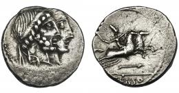 42  -  MARCIA. Denario. Roma (88 a.C.). A/ Símbolo o letra no visibles. R/ Flecha debajo del jinete. AR 3,64 g. 17,6 mm.  CRAW-346.1d. FFC-859, 860. Descentrada. MBC.