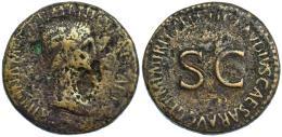 79  -  AGRIPINA (bajo Claudio I). Sestercio. Roma (c. 50-54). A/ Cabeza de Agripina la Mayor a der.; AGRIPPINA M F GERMANICI CAESARIS. R/ SC, alrededor TI CLAVDIVS CAESAR AVG GERM P M TR P IMP P P. AE 25,03 g. 35 mm. RIC-102. Fuertes erosiones. RC/BC+.