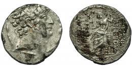 2117  -  GRECIA ANTIGUA. REINO SELÉUCIDA. Filipo I. Tetradracma. Antioquía (93-83 a.C.). R/ Zeus entronizado a izq. con Nike y cetro; bajo el trono monograma AI. AR 27,2 g. 14,8 mm. COP-425. SBG-7196 vte. Oxidaciones. MBC-.