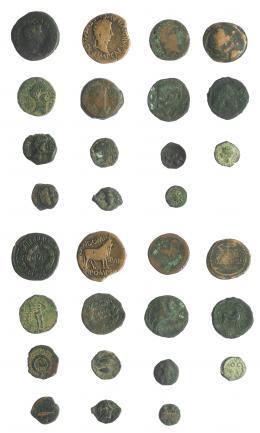 2007  -  HISPANIA ANTIGUA. Lote de 15 piezas ibéricas e hispano-romanas. De MC a BC+.