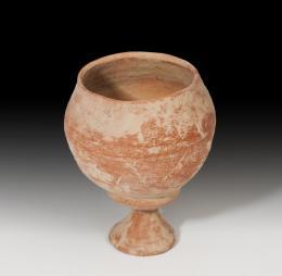 1056  -  PRÓXIMO ORIENTE. IRÁN. Copa (III-II milenio a.C.). Cerámica. Altura 13,6 cm. Diámetro 8,3 cm.