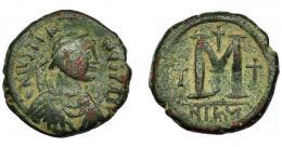 383  -  IMPERIO BIZANTINO. JUSTINIANO I. Follis. Nicomedia (527-565). AE 17,93 g. 29,8 mm. SBB-199. BC+/MBC-.