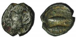 71  -  HISPANIA ANTIGUA. GADIR. Octavo de calco. A/ Cabeza frontal de Melkart con leonté. R/ Dos atunes a izq., en medio aleph. AE 0,92 g. 9,9 mm. I-1334. ACIP-661. BC-/BC+. Rara.