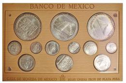 1122  -  MONEDAS EXTRANJERAS. MÉXICO. Estuche con 12 monedas. Total 20,25 onzas de plata pura. 1992-1994. SC.