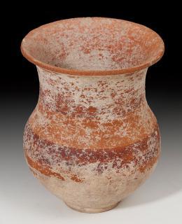 2013  -  ARQUEOLOGÍA. HISPANIA ANTIGUA.  Cultura ibérica. Vaso (III-II a.C.). Cerámica polícroma. Decoración de bandas. Altura 9 cm. Diámetro 7,4 cm.