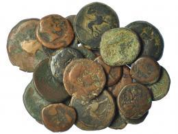 213  -  HISPANIA ANTIGUA. Lote de 24 monedas: Asido (1), Acinipo (3). Carmo (3), Castulo (6), Malaka (8), Corduba (3). Calidad media BC/BC+.