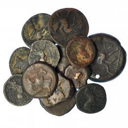 215  -  HISPANIA ANTIGUA. Lote de 13 monedas de Castulo: doble, ases (5), semises (7). BC+/MBC-. Una de ellas con agujero.