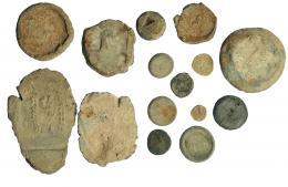 280  -  HISPANIA ANTIGUA. Lote de 15 plomos no identificados, 5 de ellos aparentemente romanos. Pesos entre 2,68 y 333 g. De RC a MBC.