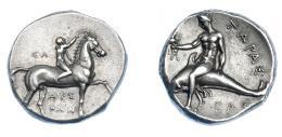 317  -  GRECIA ANTIGUA. CALABRIA. Tarento. Didracma (280 a.C.). A/ Jinete a der. coronando a caballo; ΣΑ detrás, APE/ΘΩN debajo. R/ Taras con trípode sobre delfín a izq.; CAΣ debajo; TAPAΣ. AR 7,81 g. 20,7 mm. COP-no. SNG ANS 1046–50. SBG-363. EBC-. Ex col. Guadán 1373.