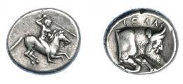 350  -  GRECIA ANTIGUA. SICILIA. Gela. Didracma (490-475 a.C.). A/ Jinete con lanza galopando a der. R/ Prótomo de toro androcéfalo a der.; encima GEΛAΣ. AR 8,57 g. 19,9 mm. COP-255. SBG-713. Rayitas en rev. Limpieza antigua. MBC.  Muy escasa. Ex col. Guadán 1581.