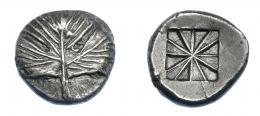 357  -  GRECIA ANTIGUA. SICILIA. Selinus. Didracma (540-515 a.C.). A/ Hoja de perejil. R/ Cuadrado incuso dividido en doce secciones. AR 8,74 g. 20,7 mm. COP-591. SBG-730. MBC+. Muy rara en esta conservación. Ex col. Guadán 1635.