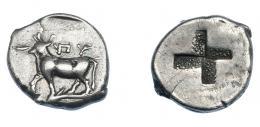 388  -  GRECIA ANTIGUA. TRACIA. Byzantion (416-357 a.C.). 1/2 siclo. A/ Toro a izq. sobre delfín. R/ Cuadrado incuso cuatripartito. AR 2,70 g. 13,4 mm. COP-479. SBG-1582. Fina grieta. MBC. Ex col. Guadán 1869.