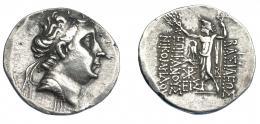 415  -  GRECIA ANTIGUA. BITINIA. Nicomedes IV. Tetradracma (83-82 a.C.). A/ Cabeza diademada a der. R/ Zeus mirando a izq. coronando el nombre del rey y sosteniendo cetro; a la izq. águila sobre haz de rayos, debajo monograma y EIΣ; ΒΑΣΙΛΕΩΣ - EΠIΦANOYΣ / NIKOMHΔOY. AR 15,5g. 35,7 mm. Von Aulock-268. SBG-7276 vte. Ligeramente abrillantada. MBC+/MBC. Muy escasa. Ex col. Guadán 2232.