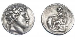 418  -  GRECIA ANTIGUA. MISIA. Eumenes I. Pérgamo. Tetradracma (282-263 a.C.). A nombre de Philetairos. A/ Cabeza diademada a der. R/ Atenea entronizada a izq. con escudo y lanza, detrás arco, debajo monograma; ΦIΛETAIΡOΥ. AR 16,90 g. 29,6 mm. COP-334. SBG-7217. Leves oxidaciones. Ligeramente abrillantada. MBC. Rara. Ex col. Guadán 2257.