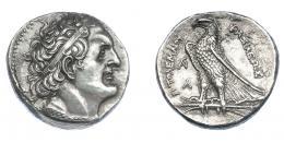 452  -  GRECIA ANTIGUA. EGIPTO. Reino Ptolemaico. Ptolomeo I. Tetradracma (294-285 a.C.). A/ Cabeza diademada a der., pequeña Δ debajo de la oreja. R/ Águila  a izq. sobre haz de rayos; a la izq. monograma sobre A. AR 15,10 g. 27,1 mm. Svoronos 247. COP-no. SBG-7761 vte. Concreciones y rayitas. EBC. Ex col. Guadán 2710.