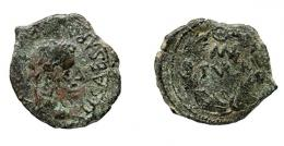 58  -  COLECCIÓN CORES. TURIASO. TIBERIO. Semis. A/ Cabeza laureada a der.; TI CAESAR (AVG F IMP PONT). R/ Corona cívica rodeando MVN/TVRIA. AE 4,00 g. 21 mm. RPC-421. APRH-421, esta moneda ilustrada. ACIP-3294. CC-4929, mismo ejemplar. Cospel irregular. Pátina verde. BC/BC+. Muy rara.