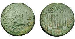 1775  -  HISPANIA ANTIGUA. KESE-TARRACO. Tiberio. Dupondio. A/ Estatua de Augusto sentado a izq.; DEO AVGVSTO. R/ Templo octástilo; AETERNITATIS AVGVSTAE, encima C V T T. AE 12,84 g. 29,84 mm. I-2364. APRH-224. ACIP-3267. Pátina verde. BC+/MBC-. Ex Áureo, 19-9-1994, lote 653.