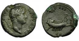 179  -  IMPERIO ROMANO. ADRIANO. As. R/ Barco a der., alrededor COS III SC. AE 12,22 g. 26,02 mm. RIC-821.  MBC-.