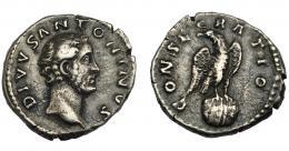 184  -  IMPERIO ROMANO. ANTONINO PÍO. Denario. Roma (180). A/ Cabeza a der. R/ Águila sobre globo a der. con cabeza vuelta.; CONSECRATIO. AR 3,2 g. 18,03 mm. RIC-433. MBC-.