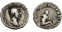 191  -  IMPERIO ROMANO. LUCIO VERO. Denario. Roma (165). A/ Cabeza laureada a der. R/ Cautivo parto sentado a der. con manos atadas a la espalda, trofeo a der; TR P V IMP III COS II. AR 2,83 g. 17,97 mm. RIC-540. BC+.
