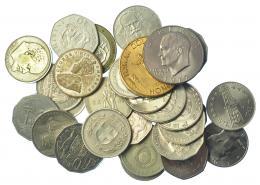 312  -  MONEDAS EXTRANJERAS. Lote de 27 monedas y 2 medallas de níquel (1918-2006). Diferentes módulos duro (2), medio duro (27). Varios países. De MBC a SC.