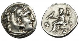 78  -  GRECIA ANTIGUA. MACEDONIA. Alejandro III. Dracma. Abydos (310-301 a.C.). A/ Cabeza con leonté a der. R/ Zeus entronizado a izq. con águila y cetro; a la der. ΑΛEΞANΔPOY, a la izq. cabeza de Amón a der. y hoja de hiedra bajo el trono. AR 4,15 g. 17,89 mm. PR-1551. MBC/MBC.