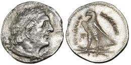 83  -  GRECIA ANTIGUA. EGIPTO. Ptolomeo I. Tetradracma (305-283 a.C.). R/ Águila a izq. sobre rayos, a izq. monograma. AR 13,4 g. COP-VIII 48 vte. BMC-VI, 21,63. Anv. erosionado. MBC+/EBC-.