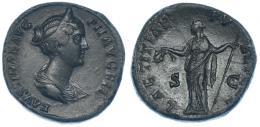 111  -  FAUSTINA LA MENOR. Sestercio. Roma (161). R/ Laetitia a izq. con corona y cetro; LAETITIAE PVBLICAE. RIC-1378c. Pátina verde. MBC.