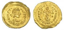 155  -  JUSTINO I. Tremissis. Constantinopolis (518-527). R/ Victoria con corona y globo crucífero. SBG-58. R.B.O. EBC-.