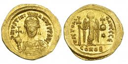 157  -  JUSTINIANO I. Sólido. Constantinopolis. Oficina E. SBB-137. Leve acuñación floja. EBC.