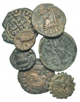 44  -  Lote 7 piezas: 4 bronces griegos, 2 bronces greco-púnicos y 1 bronce cruzadas. BC+/MBC+.