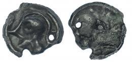 46  -  GALIA. Senones. Potin. A/ Cabeza con casco a izq. R/ Caballo a izq. AE 2,65 g. SBG-143. Cospel irregular con perforación. Pátina verde. MBC/BC+.
