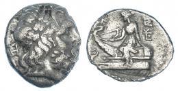 52  -  TESALIA. Magnetes. Dracma. 196-146 a.C. AR 3,53 g. A/ Cabeza laureada de Zeus a der. R/ Ártemis sentada sobre proa a izq. COP-153. SBG-2136. Pequeñas erosiones. MBC-.