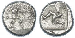 61  -  PANFILIA. Aspendos. Estátera (s. V a.C.). A/ Guerrero. R/ Trisqueles dentro de cuadrado incuso. AR 11,01 g. COP-153 ss. SBG-5381. BC/BC+.