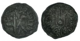 7  -  CARTHAGO NOVA. Mitad. Época de Augusto. A/ Instrumentos sacerdotales. R/ Corona de Isis; IVBA REX IVBAE F II V QV. I-585. RPC-169. Pátina verde terrosa. MBC-.