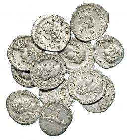 81  -  Lote 12 denarios: Alejandro Severo (3), Caracalla (2), Heliogábalo, Julia Domna, Geta, Maximino I y Septimio Severo (3). Calidad media MBC/MBC+.