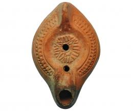 11  -  Lucerna. Bizancio. Terracota. 12,5 cm.